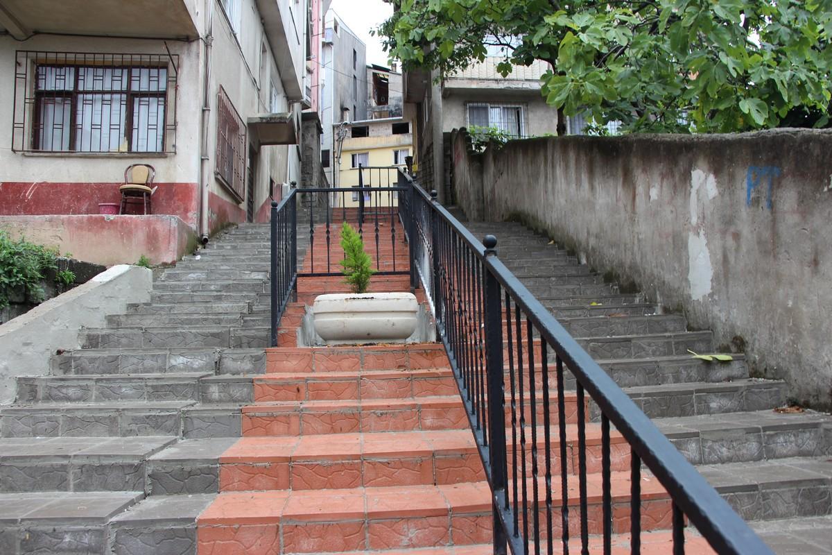 بلدية إسطنبول تقرر إنشاء سلالم كهربائية في أحياء المدينة